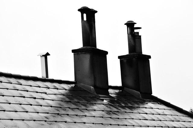 Komíny zkrátka patří na střechu domu