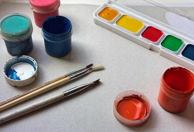 Kreativní zábava – malování pomocí barevného písku