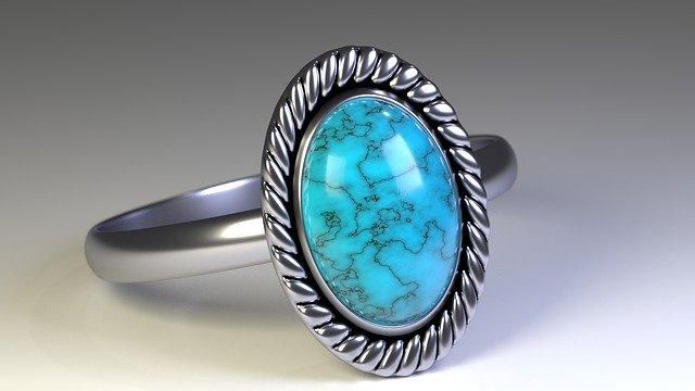 Proč lidé nosí stříbrný prsten